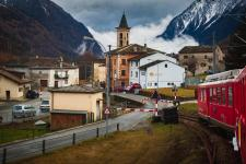 Bernina Express - Approaching