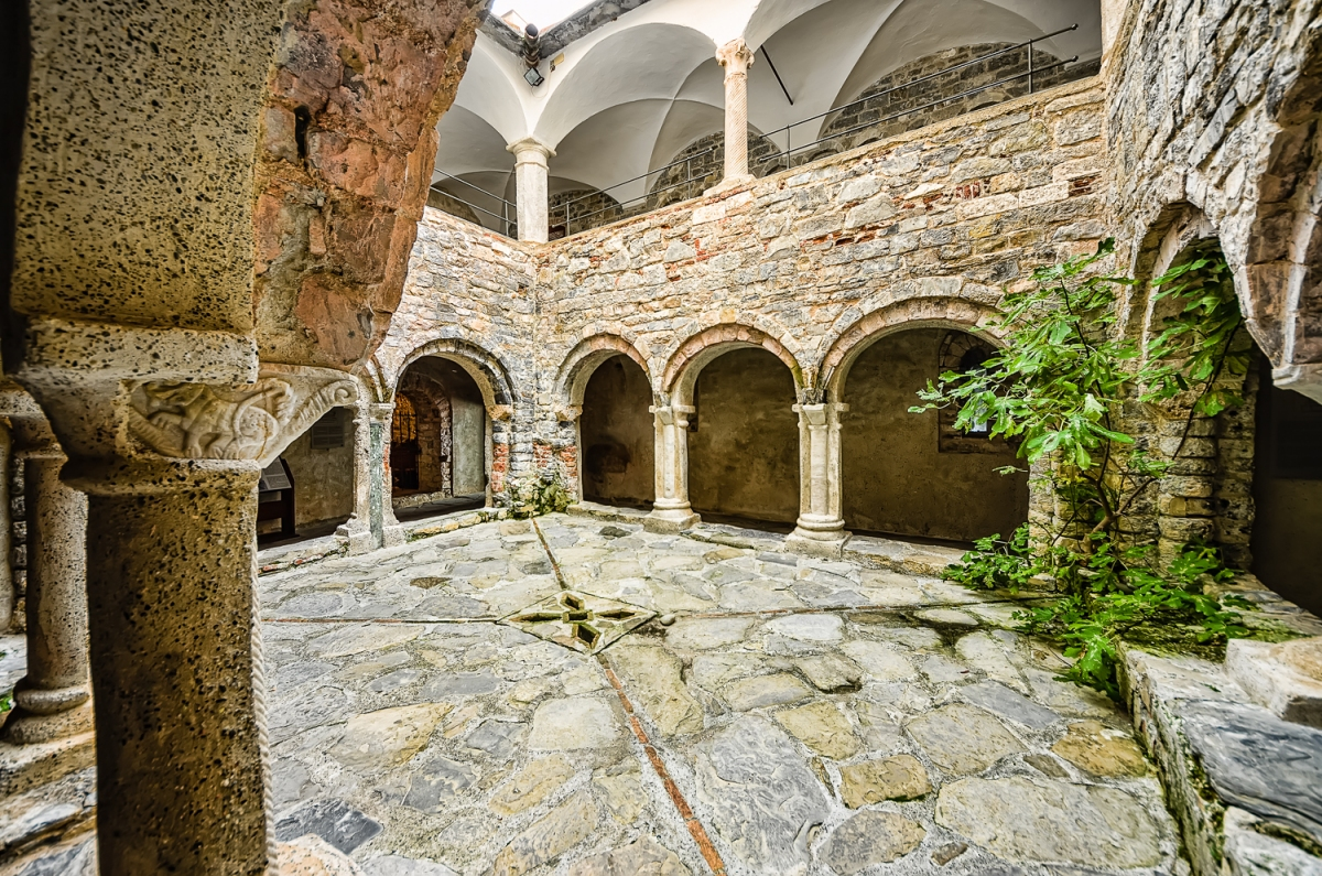San Fruttuoso - Lower cloister