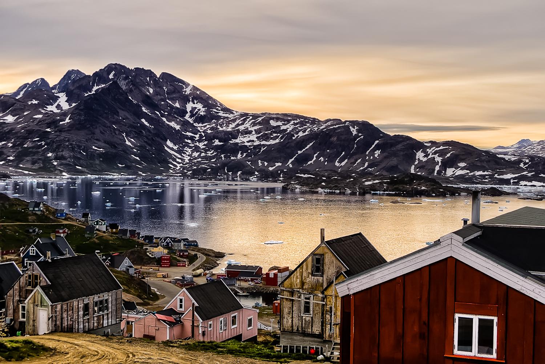 Delicate Arctic sunset