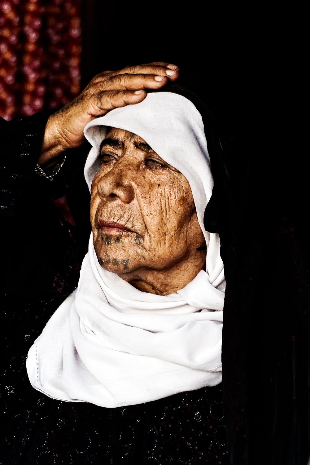 Bedouin woman with facial tatoos