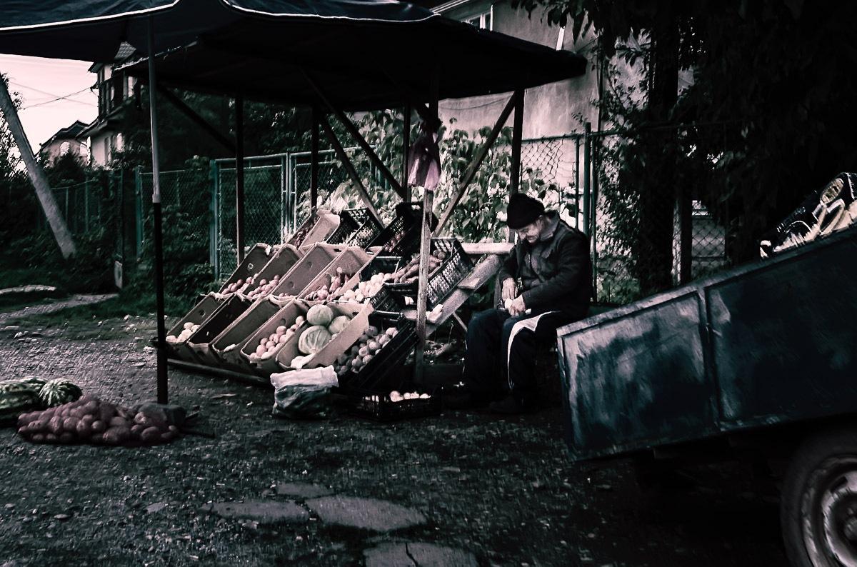 Selling vegetables in Soltvyno