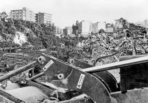 Demolizioni a via Sant' Antonio Abate il 3_6_81