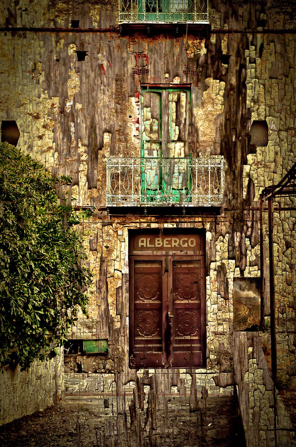 Decaying in Southern Italy