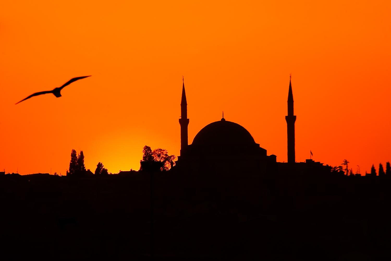 Yavuz Sultan Selim Camii at sunset, Istanbul, Turkey