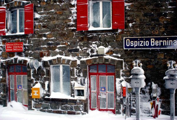 Ospizio Bernina: the station