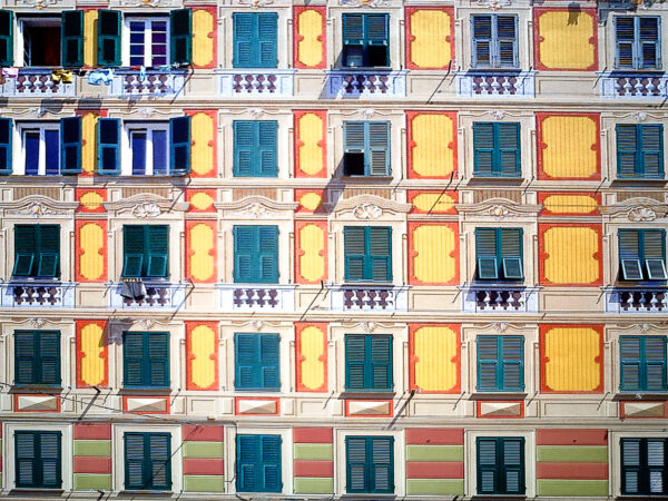 Camogli windows. Some of them are real, some not. Can you recognise the fakes?