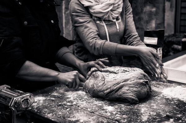 Notte dei falò di Nusco preparazione delle laine