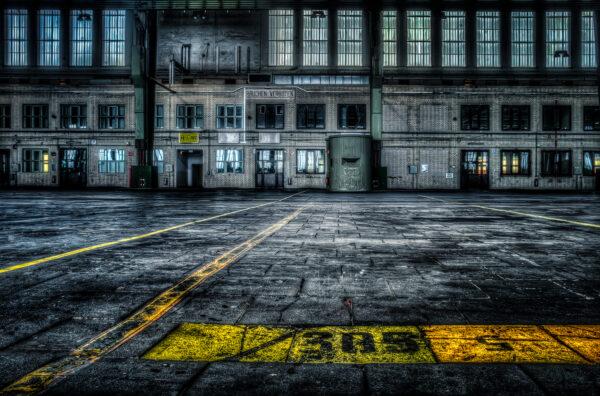 Be4rlin Tempelhof The hangar