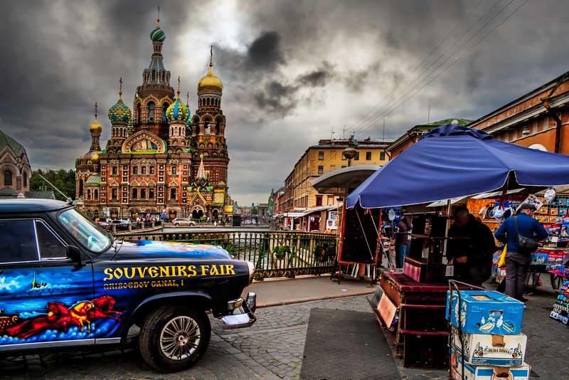 Setting up the fair - San Pietroburgo