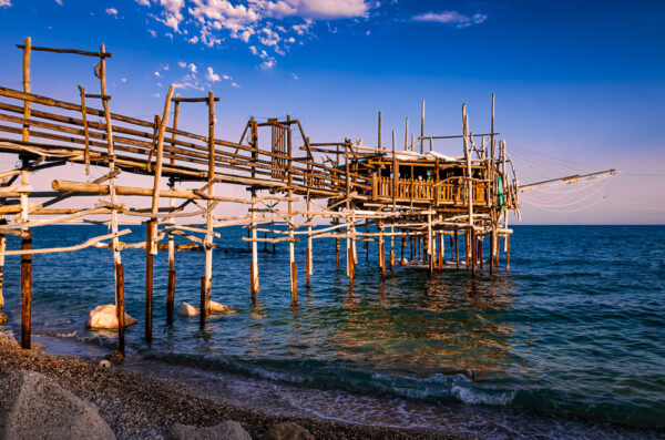 Trabocchi: the tailspin of the giant spiders jetting on the sea - Trabocco Valle Grotte