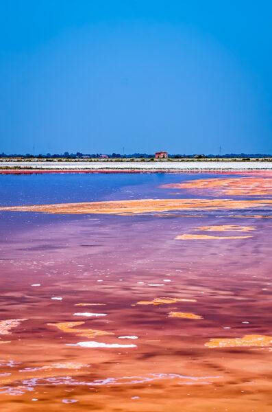 Paesaggio rosso - Salina di Cervia acqua rossa e sale candido