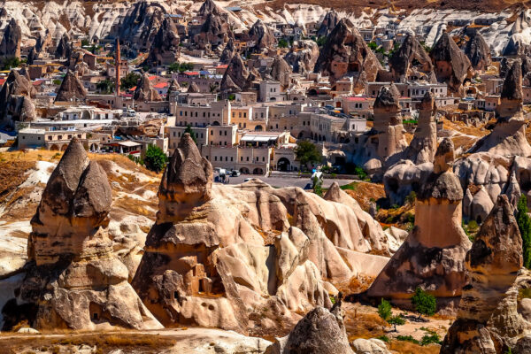 Wonders of Cappadocia - Göreme - The town among the fairy chimneys