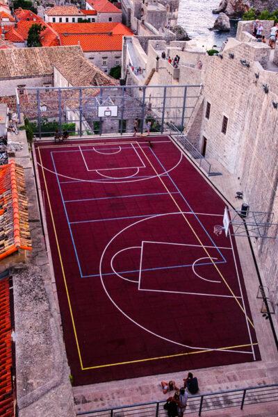 Come compiacere gli dei del basketBasketball court Dubrovnik