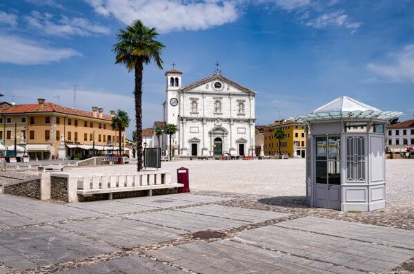 Palmanova Cathedral and square