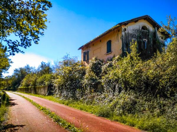 Benevento Vitulano Casello abbandonato