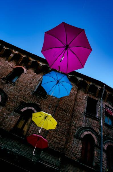 Ferrara ombrelli multicolori