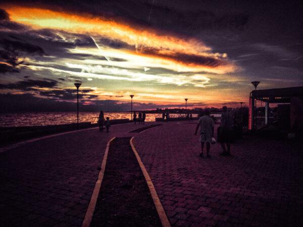 Evening stroll Torre San Giovanni