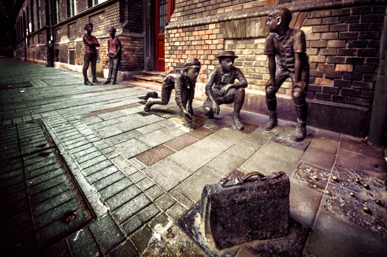 I ragazzi della via Pàl Budapest Statua di fronte alla scuola