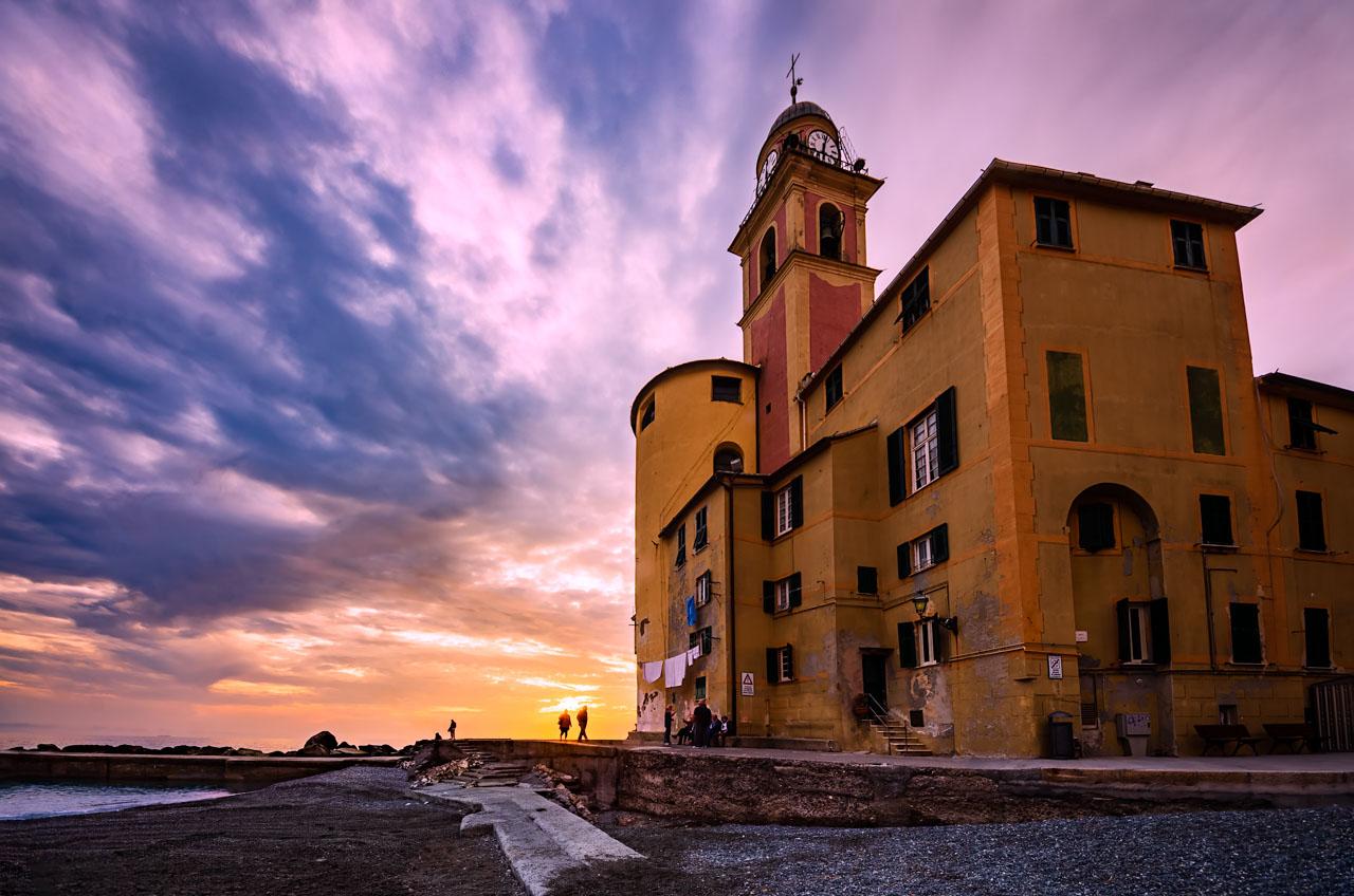 Basilica di Santa Maria Assunta al tramonto, Camogli